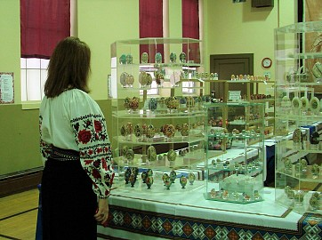 VIEWING THE PYSANKY